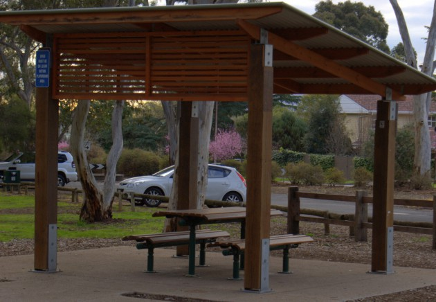 Hazelwood Park Playground table and benches