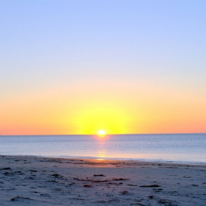 normanville beach sunset play & go