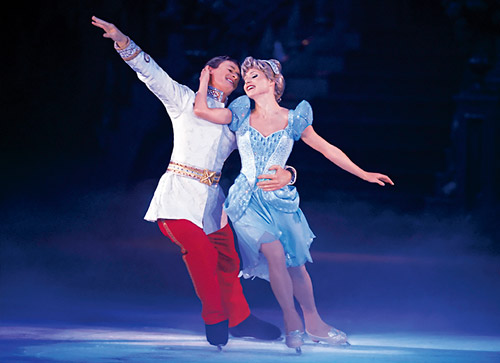 disney on ice dare to dream 2 skaters