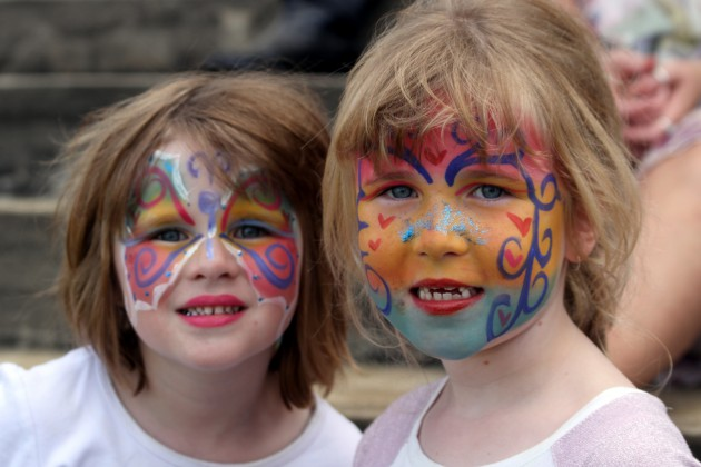 Easter Weekend at the Races - Oakbank face painting