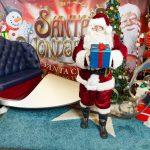 santas-wonderland-santa-with-sleigh