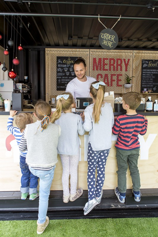 Christmas in Rundle Mall - the mighty merry cafe