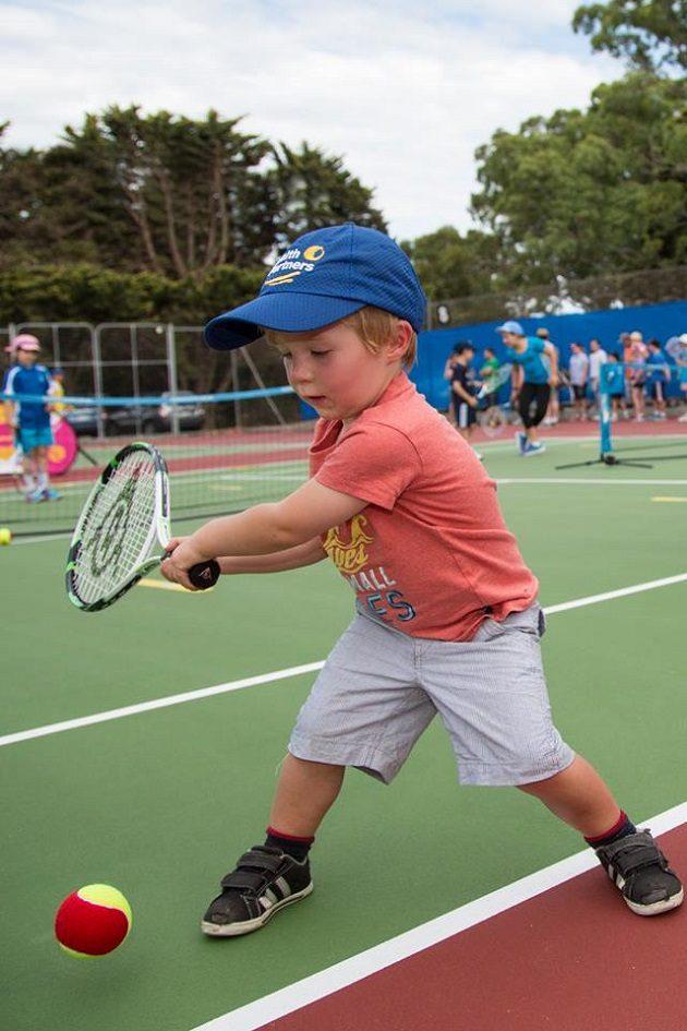 world-tennis-challenge-kids-tennis-day
