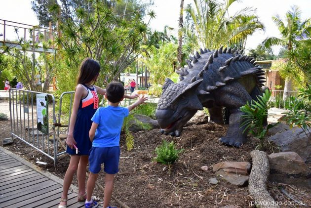 adelaide-zoo-dinosaurs-alive-1