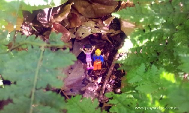 Minifigs at Botanic Garden (5)