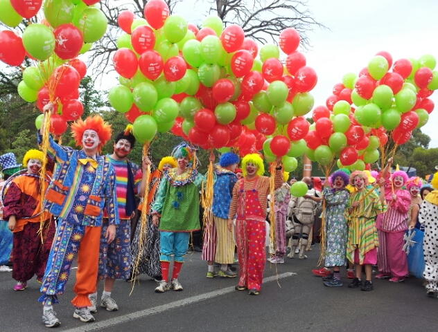 christmas pageant clowns