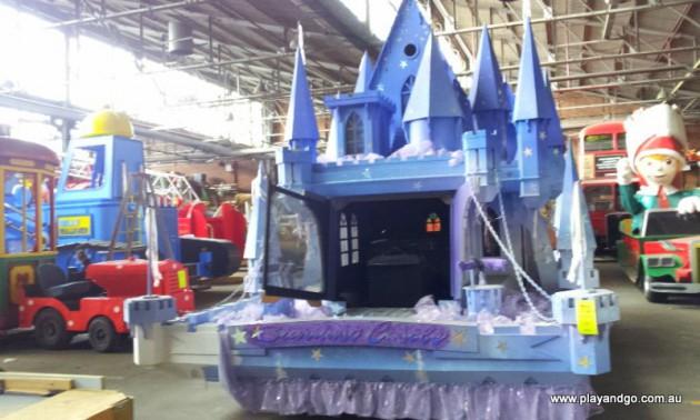 Christmas Pageant floats Stardust Castle (1)