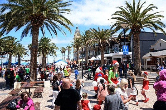 Glenelg Christmas Pageant