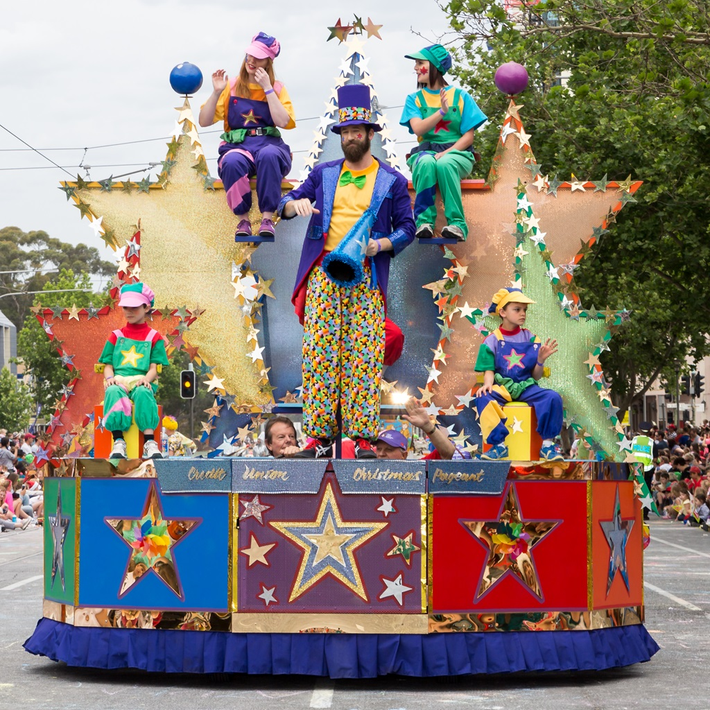 the credit union christmas pageant is a south australian institution and recognised heritage icon that traditionally heralds the start of the christmas - When Is Christmas In 2015