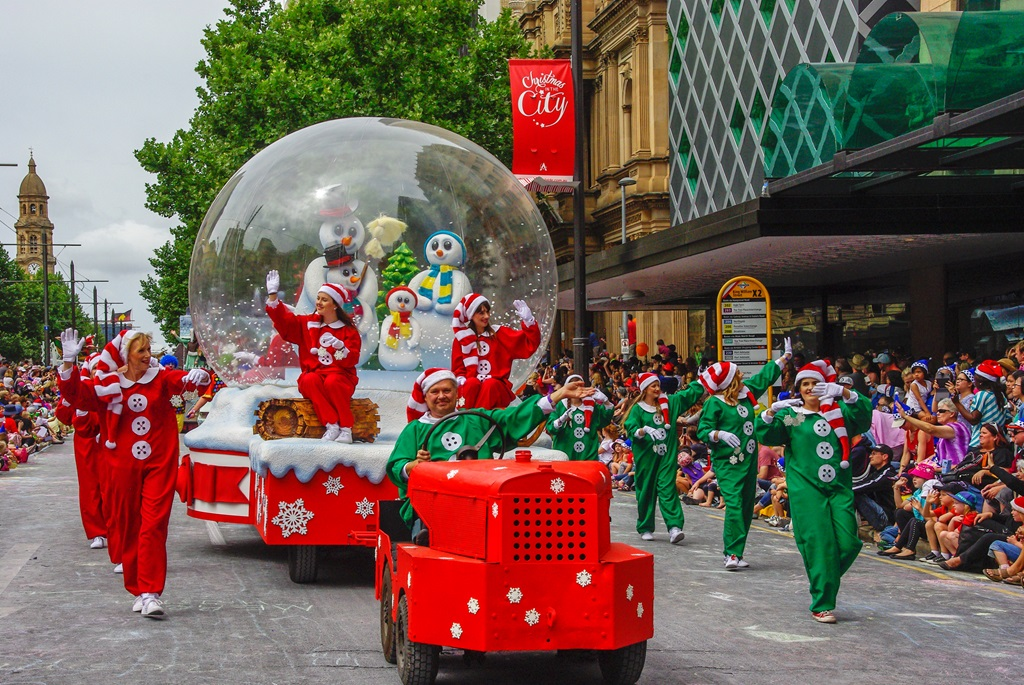 2015 Credit Union Christmas Pageant | Saturday 14 Nov 2015 - Play ...