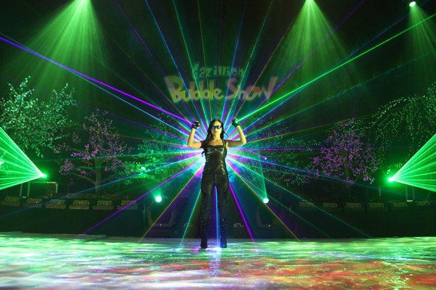 Gazillion Bubble Show lasers