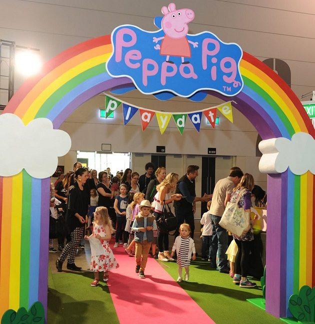 Peppa Pig Playdate Rainbow