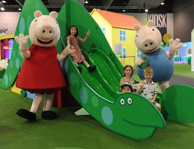 Peppa Pig Playdate slide