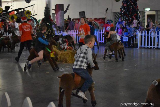 santas-wonderland-reindeer-rides