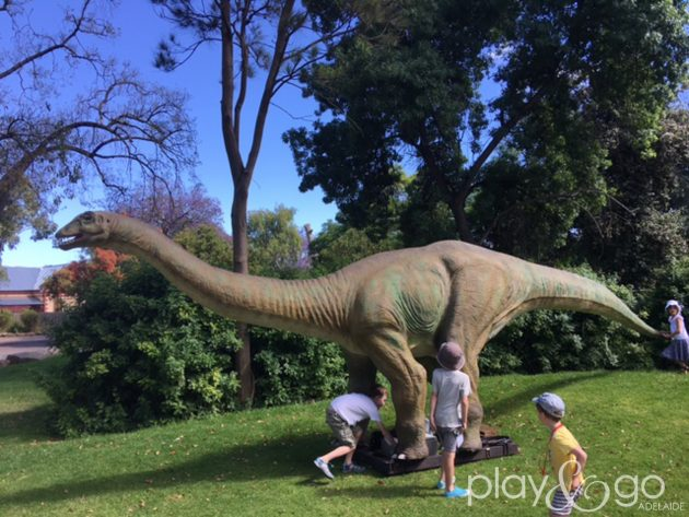 Dinosaurs Alive! Review