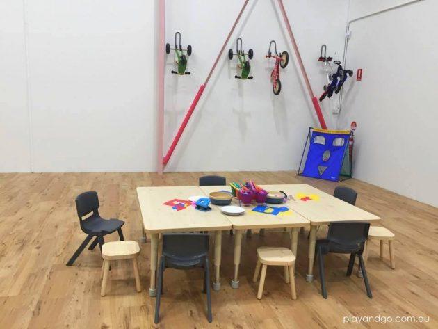 kid hub table