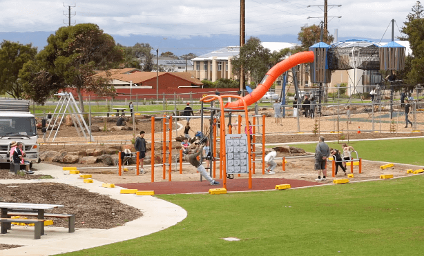 semaphore_park_playground_point_malcolm_reserve_