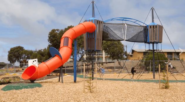 semaphore_park_playground_point_malcolm_reserve