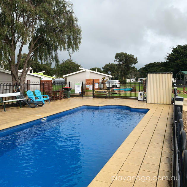 Accommodation with pool Victor Harbor
