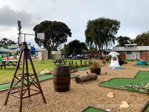 mini golf victor harbor