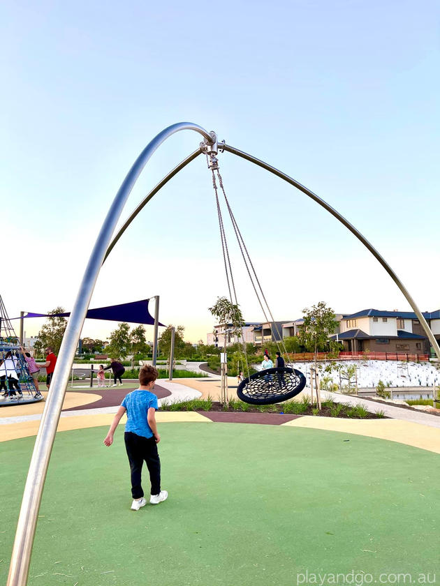 Lightsview Playground basket swing